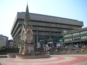 Paradise_Forum,_Birmingham_Library,_Chamberlain_Memorial