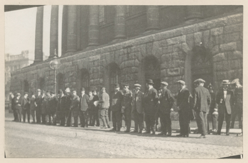 Photographed in 1914. First World War recruits lined up in front of the Town Hall then being used as a recruitment station.  [MS 2724/2/B/3494]