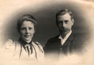 Barrow and Geraldine Cadbury 1891
