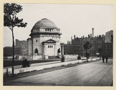WK_B11_170 Hall of Memory viewed from Broad Street, Birmingham 1931