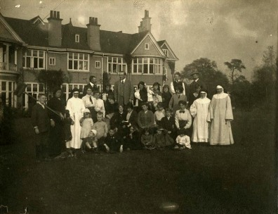 Belgian refugees at Moor Green House, Moseley, Birmingham. Photographed in 1914. [WK-M6-82]