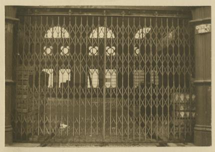 Entrance gates and railings at the fish market, Birmingham. 1912 [WK/B11/520]