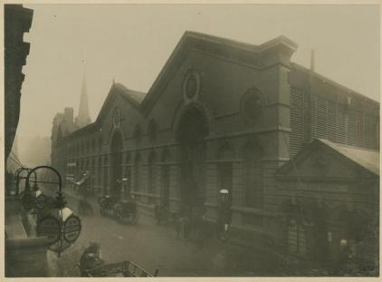 2-wk-b11-367-exterior-view-of-smithfield-market-n-d-c1887