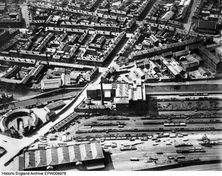 Aerial view of the Midland Flour Mill, Monument Lane Goods and Coal Depot and environs, Ladywood, July 1923. © Historic England Archive (Aerofilms Collection)